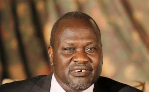 """FILE--In this Wednesday, July 8, 2015 file photo, South Sudan rebel leader Riek Machar addresses journalists during a news conference in Nairobi, Kenya. South Sudan's rebel leader is accusing President Salva Kiir of wanting to turn the country into an """"ethnic state"""" for his Dinka group. Riek Machar's statement, obtained by The Associated Press, Sept. 26, 2016, accuses the government of pushing ethnic groups into fighting. (AP Photo/Khalil Senosi, File)"""