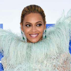Beyoncé, under vocal rest, postpones MetLife Stadiumconcert