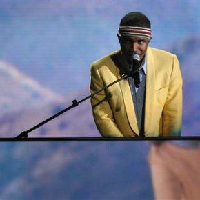 Frank Ocean debuts 'Blonde,' his 1st album in 4years