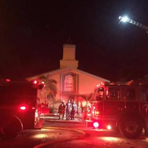 Video shows man approaching Florida mosque beforefire