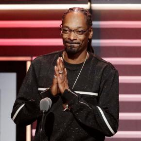 Snoop Dogg honored in politically charged BET Hip-HopAwards