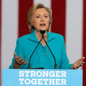 Clinton offers plan to prevent 'excessive' drug price hikes