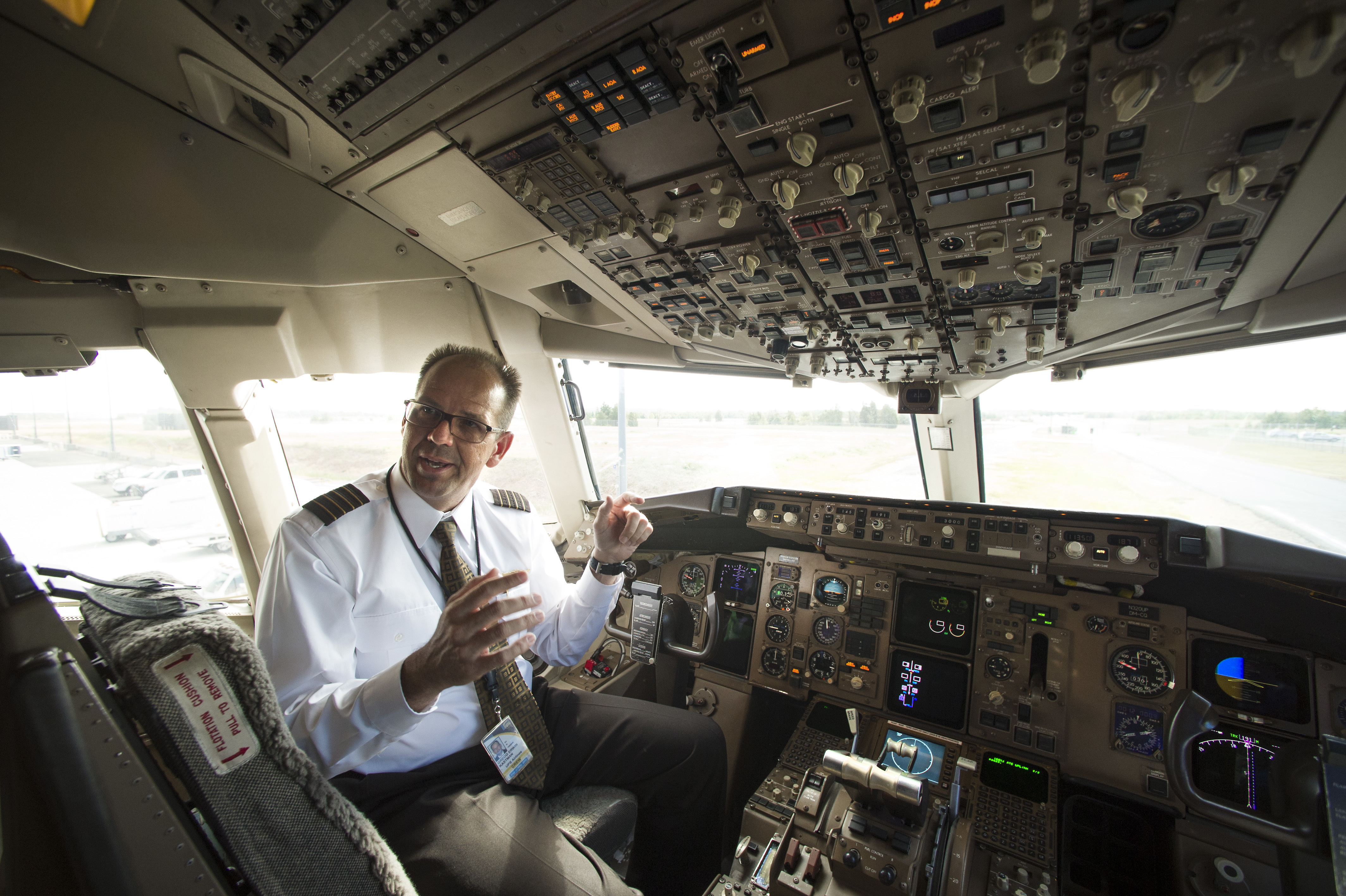 Pilots, air traffic controllers shifting to text messaging | Spartan