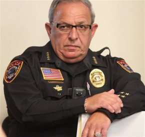 Police chief shoots himself just aftersuspension
