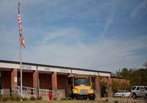 Officials investigate claim of noose around student'sneck