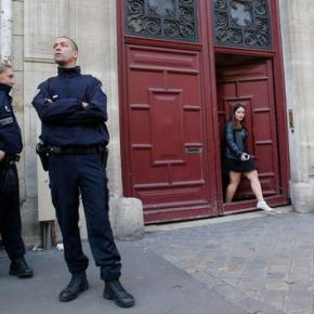 Armed jewelry thieves target Kardashian West inParis