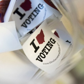 Early voting offers positive signs in key states forClinton