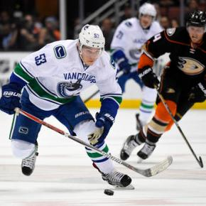 Ritchie gets tiebreaker in Ducks' 4-2 win over Vancouver