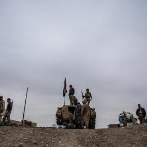 Iraqi troops south of Mosul face IS attack