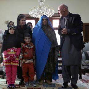 Pakistan deports National Geographic's iconic 'AfghanGirl'