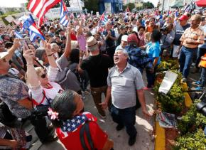 Weeping, hopeful, Cubans look to future without FidelCastro