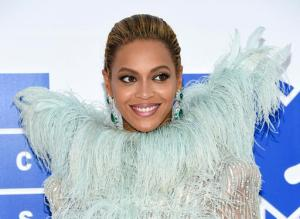 """FILE - In this Aug. 28, 2016 file photo, Beyonce Knowles arrives at the MTV Video Music Awards at Madison Square Garden, in New York. Beyonce performed """"Daddy Lessons,"""" Wednesday, Nov. 2, at the 50th annual CMA Awards in Nashville, Tenn. (Photo by Evan Agostini/Invision/AP, File)"""