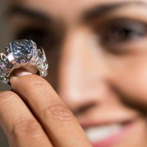 Pink diamond steals show at Geneva auction, fetches$18M