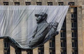 Cuba bids farewell to Fidel Castro, ruler forhalf-century