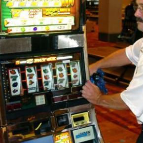 Casino: Woman shown $43M jackpot actually owed$2.25