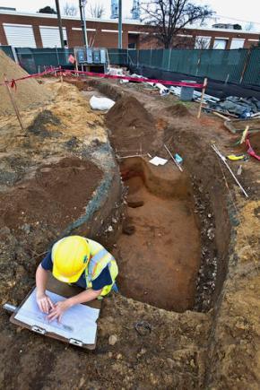 Revolutionary War artifacts crop up in Gloucester Pointdig