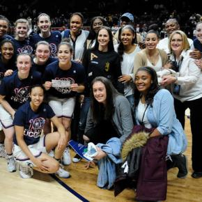 Century mark! UConn women win 100th straight game