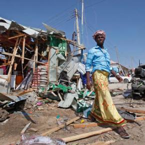 Blast in Somalia kills 34 in Mogadishumarketplace