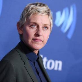 Ellen, Wal-Mart give scholarships to school's seniorclass