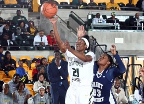 Roberts, Strode lead Spartans past defending MEAC champion N.C. A&T, 69-53