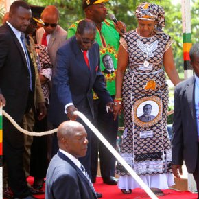 At 93 years old, Zimbabwe's Mugabe remains ajet-setter
