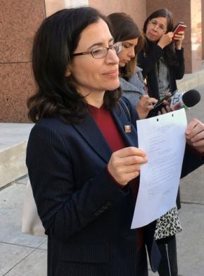 US asylum seeker with brain tumor granted bond to seekcare