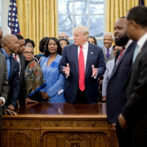 Trump signs executive order on blackcolleges