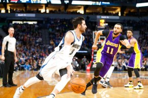 Rubio scores career-high 33 as Wolves beat Lakers119-104