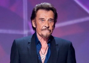 French star Johnny Hallyday says he is treated for cancer