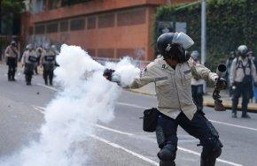 Venezuelans pour into Caracas streets in anti-Maduroprotest