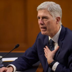 Gorsuch asks his first questions from Supreme Courtbench