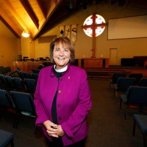 Methodist court takes up challenge to election of gaybishop