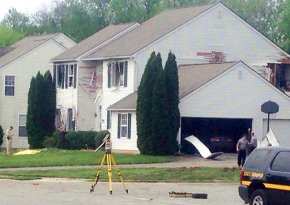 Gunman pursued injured officer seeking cover, firedagain