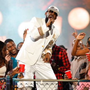 Mississippi man sues R. Kelly, says singer ruinedmarriage