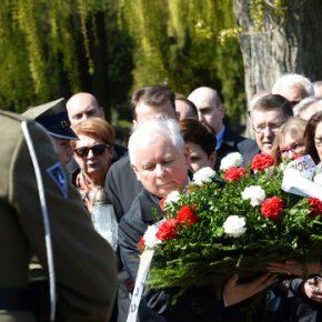 Poland marks anniversary of president's death in plane crash