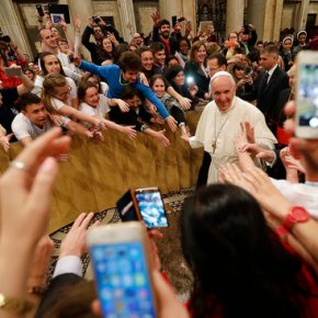 Pope raises own mortality in rallying youth to leadchurch