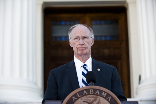 Alabama governor resigns, pleads guilty to misdemeanors