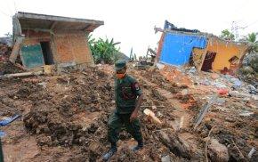 Dozens still missing in Sri Lankan garbage collapse; 30dead