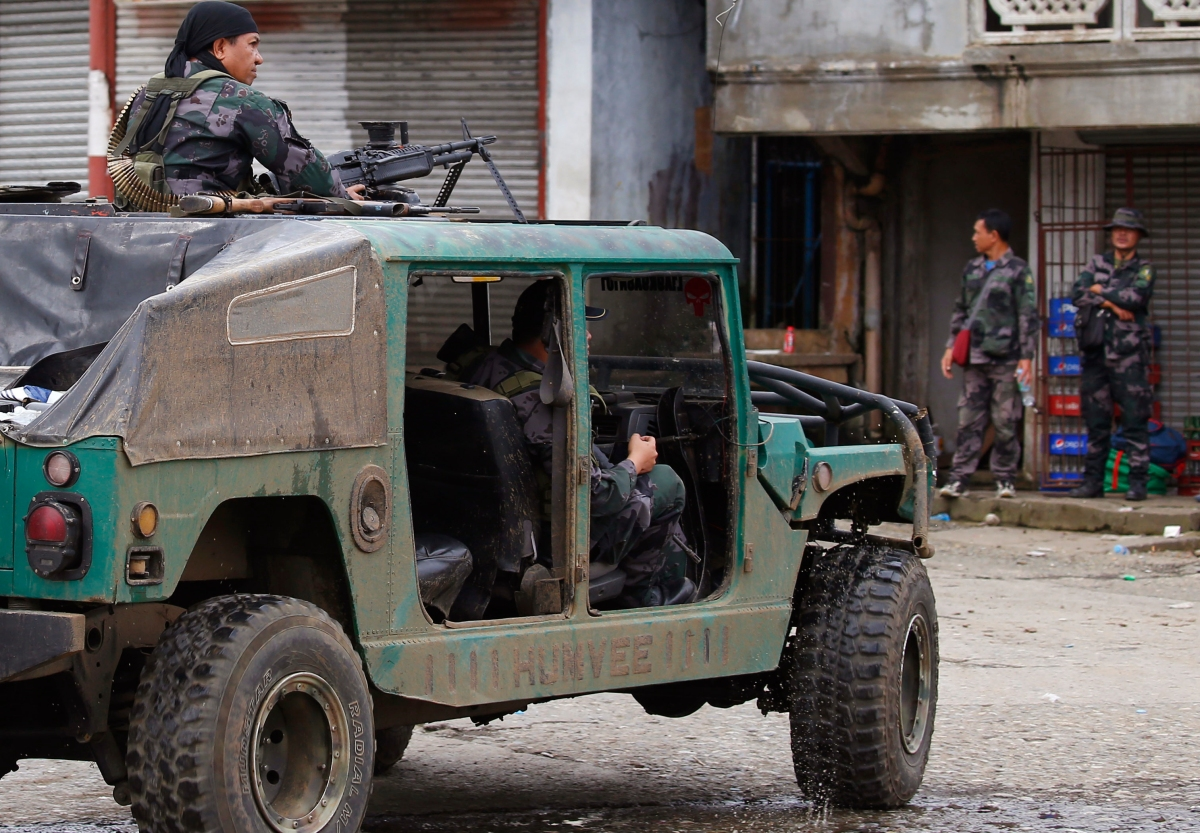 City clash fuels fear of Islamic State foothold in southern Philippines