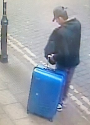 Manchester police seek clues in concert bomber'ssuitcase