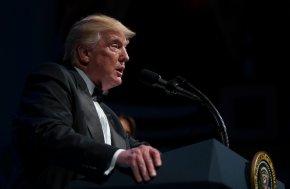 Trump criticizes London's mayor,again