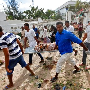 Somali survivors tell of restaurant siege by rebels; 31 dead