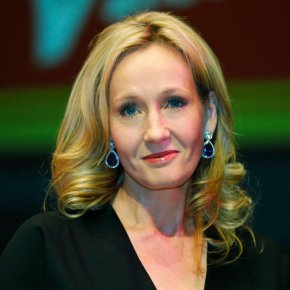McCartney, Rowling promoted in the queen's BirthdayHonors
