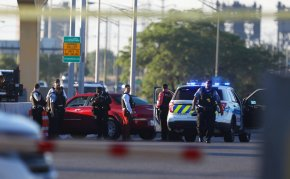 Man, woman found dead with gunshot wounds on ChicagoSkyway