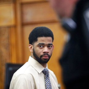 Swift acquittal for former Milwaukee cop charged inshooting