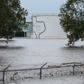 Plant explosions, spills test industry's response to Harvey