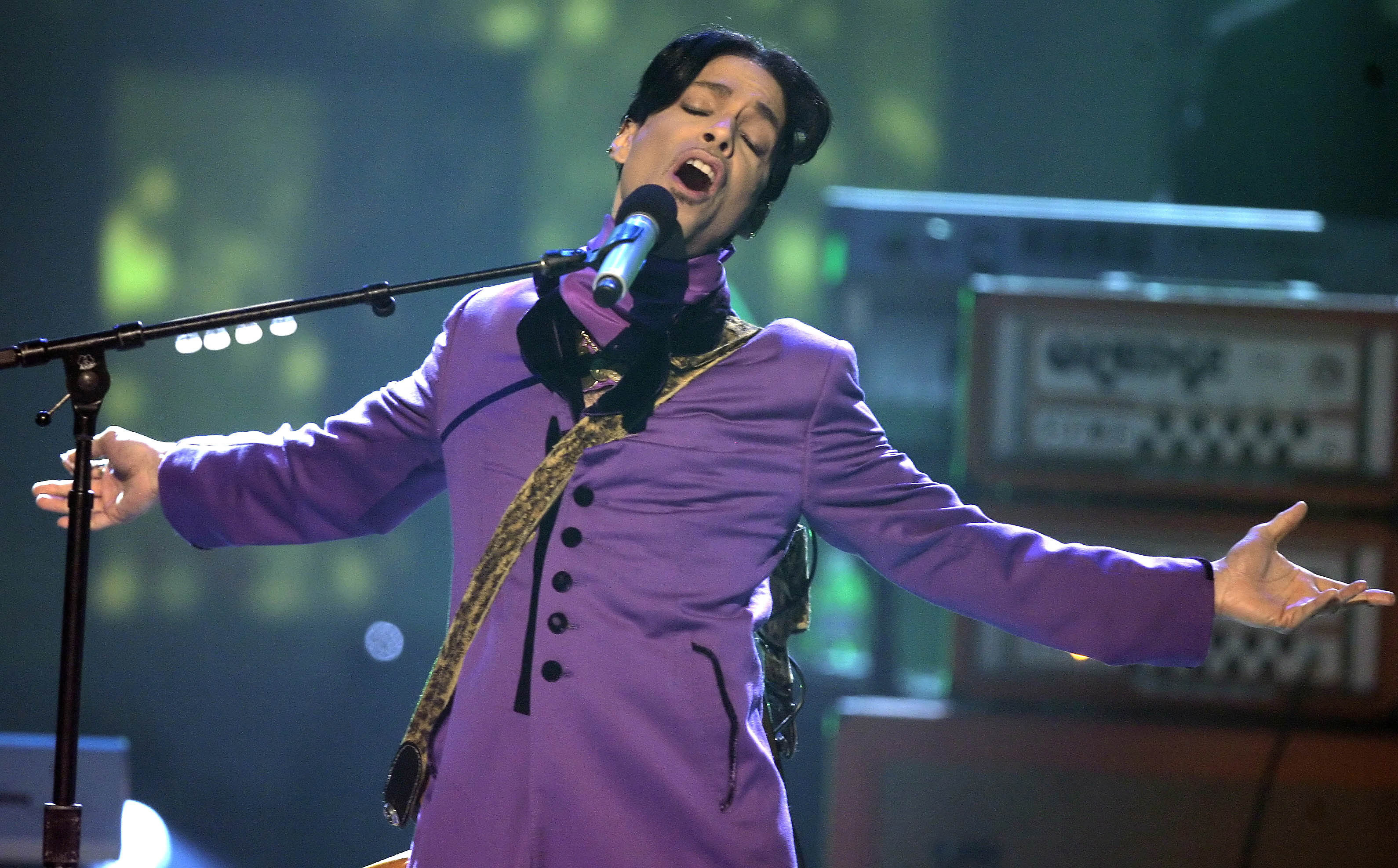 Prince's Sister Drops Bombshell About The Singer's Colour Preferences