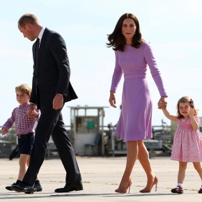 Palace announces Prince William, Kate expecting third child