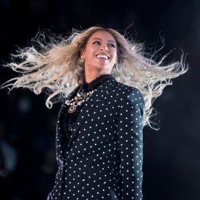 Beyonce, Streisand to headline Harvey relieftelethon