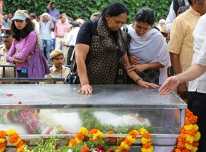 Indian journalist's killing provokes outrage,anguish